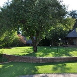 Lush gardens at Lekoa Lodge